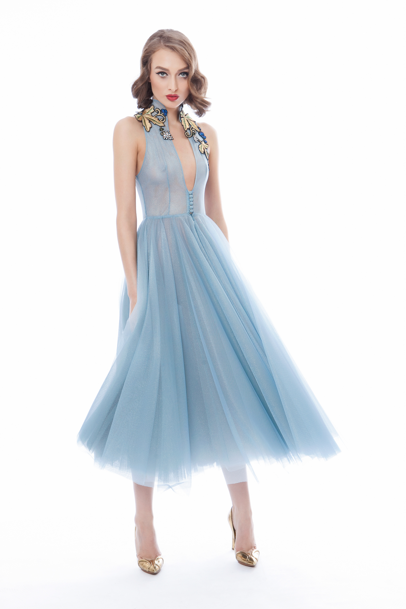 Tulle dress with handmade embroidery | Rozalia Bot